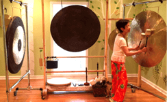 Alice playing Gong